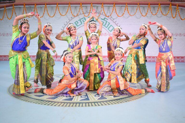 Kuchipudi performance by the students of Girish Chandra and Dr. Devi Girish