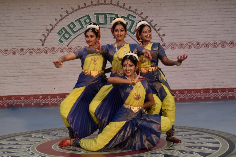 Students of Kuchipudi dancer and founder of Muvva Nritya Raaga Nigamam, Dr. Himabindu Kanoj, presenting the Saraswathi Stuthi.